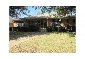 7051 Chantilly Lane, Dallas, Texas 75214, 4 Bedrooms Bedrooms, 3 Rooms Rooms,2 BathroomsBathrooms,Residential Lease,For Rent,Chantilly,14139970